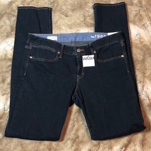 New Gap dark wash skinny jeans size 31/12L